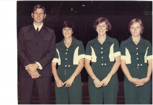 Ed Brans (manager), Jenny, Fiona and Sally Lewis (junior). Fed Cup 1976